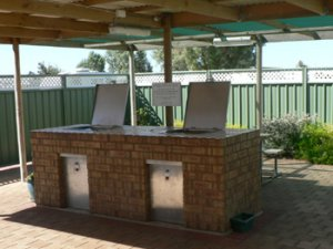 Free BBQ Facility at the camp kitchen at the Arno Bay Caravan Park.