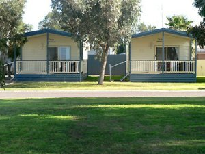 Holiday Cabins at Arno Bay Caravan Park.